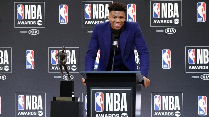 NBA MVP Giannis Antetokounmpo thanks God in MVP acceptance ...