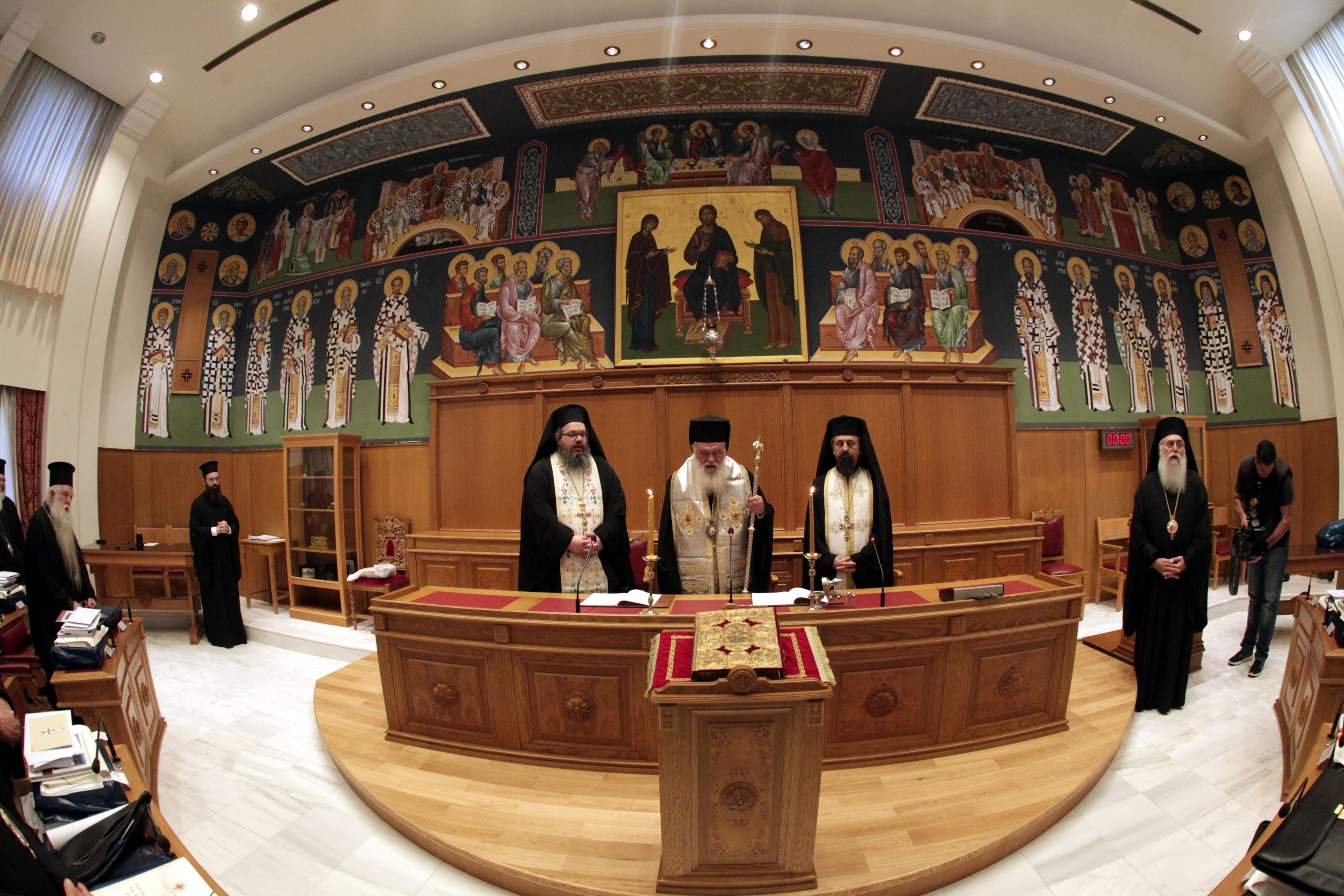 Heated debate between Hierarchs of Church of Greece on Ukrainian autocephaly issue