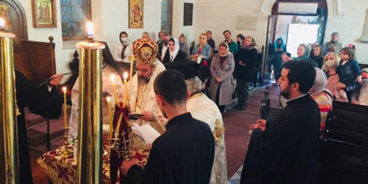 Hierarchical Divine Liturgy in the earthquake-stricken Smyrna