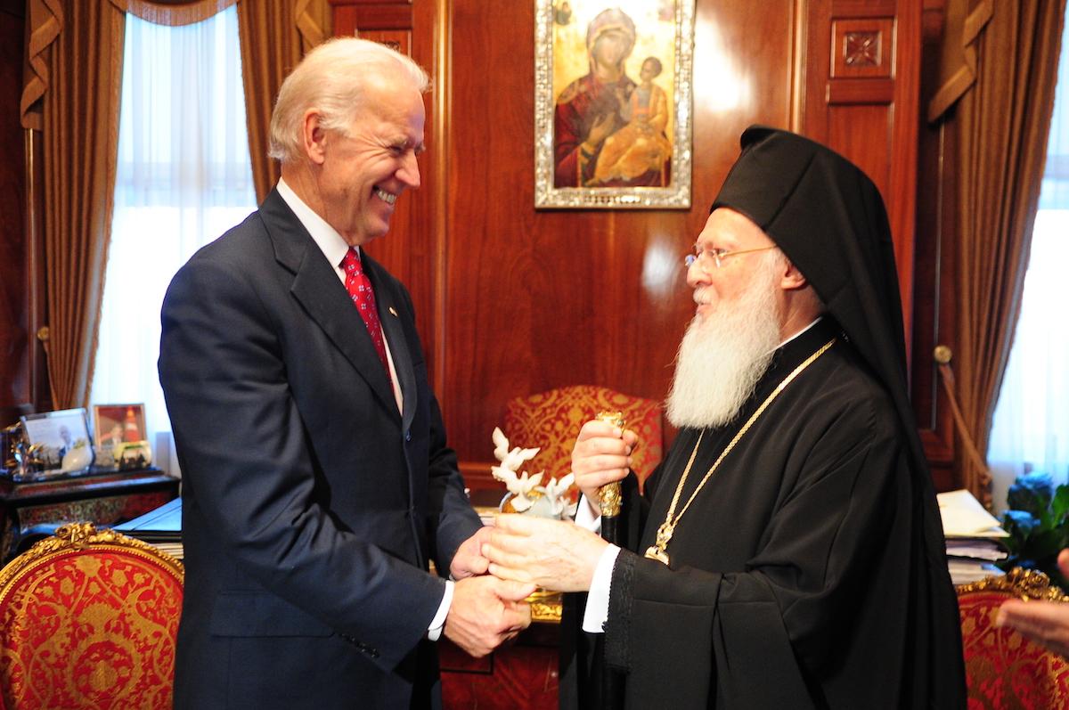 Bartolomé I felicita a Joe Biden