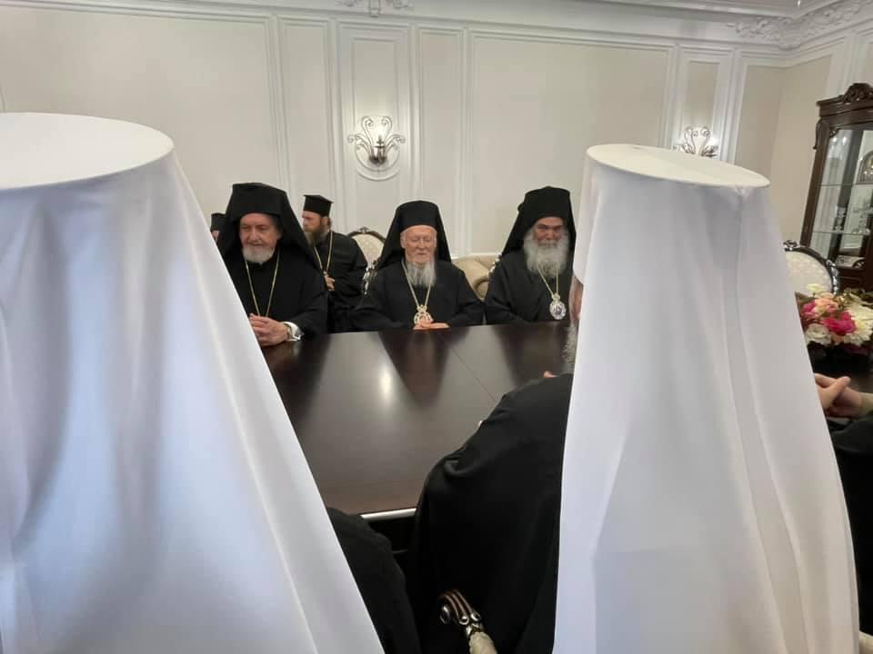 ecumenical patriarch kyiv epiphaniy